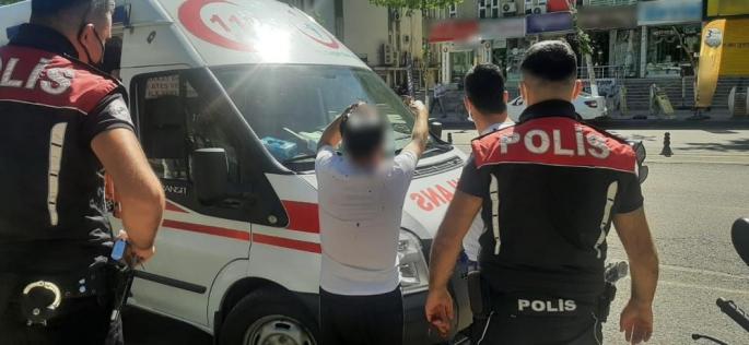 Adıyaman'da bir kişi Sokak ortasında saldırıya uğradı