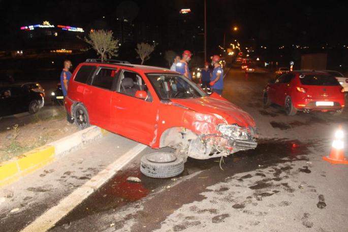 Adıyaman'da Düğünden Dönen Aile Kaza Yaptı 4 Yaralı