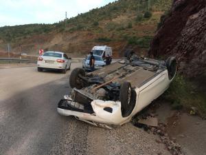 Adıyaman'da Devrilen Otomobilin Sürücüsü Yaralandı