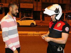 Adıyaman'da yolda bulduğu parayı polise teslim etti