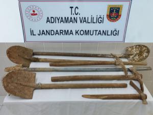 Besni'de Kaçak Kazı Yapan 6 Kişi Yakalandı