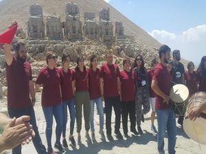 Ermeni Grup'tan Nemrut Dağı'nda Barış Çağrısı