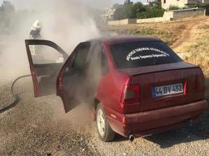 Seyir Halindeki Otomobilin Motoru Alev Aldı