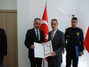 Vali Kalkancı'dan Emniyet Personeline Teşekkür Belgesi