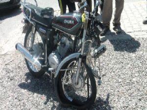 Duvara Çarpan Motosiklet Sürücüsü Hastanelik Oldu