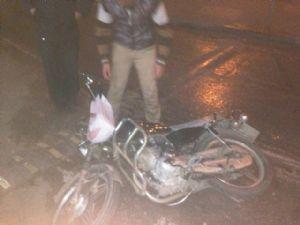 Buzlu Yolda Motosiklet Sürücüsü Kaza Yaptı