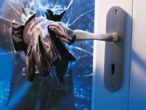 Hırsızlar Okullara Dadandı