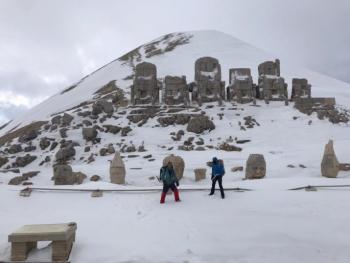 Adıyaman'da Dağcılar Nemrut Dağı zirvesine çıktı