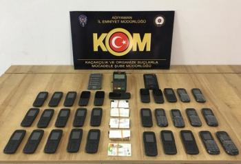 Adıyaman'da kaçak cep telefonu operasyonu: 8 gözaltı