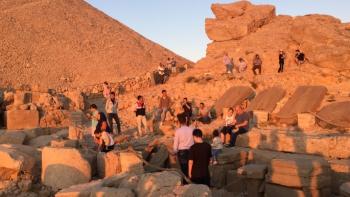 Adıyaman Nemrut Dağında Turist yoğunluğu