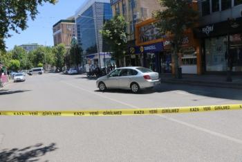 Yol ortasına park edilmiş şüpheli otomobil korkuttu