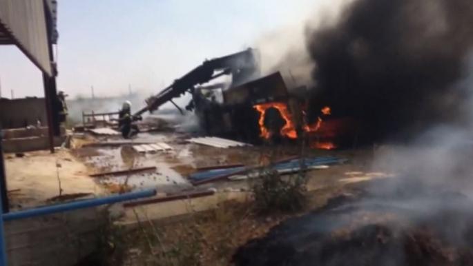 Kaynak esnasında yanan iş makinesi küle döndü