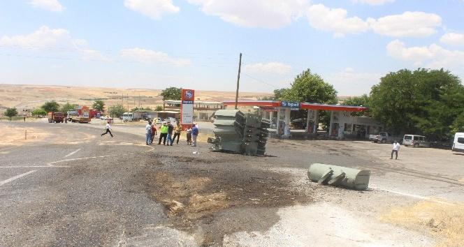 Tır'dan düşen trafo karayolunu savaş alanına çevirdi