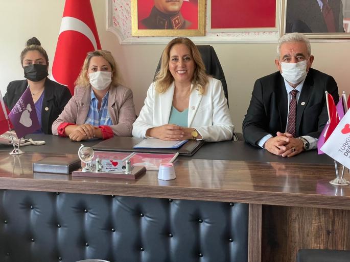Türkiye Değişim Partisi Kadın Kolları Genel Başkanı Canan Ceylan Adıyaman'da