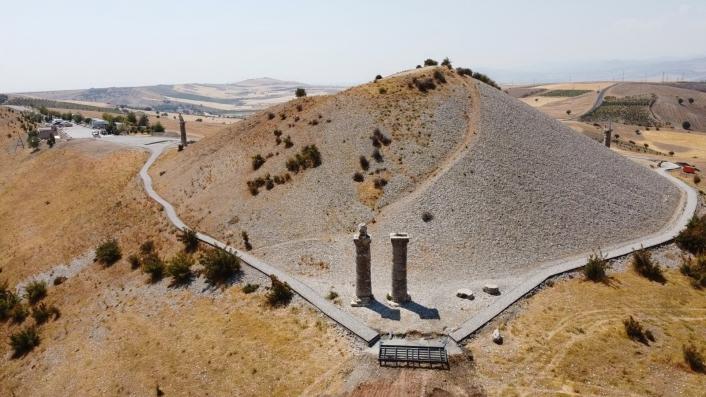 2 bin yıllık Karakuş Tümülüsü´nün tomografisi çekiliyor
