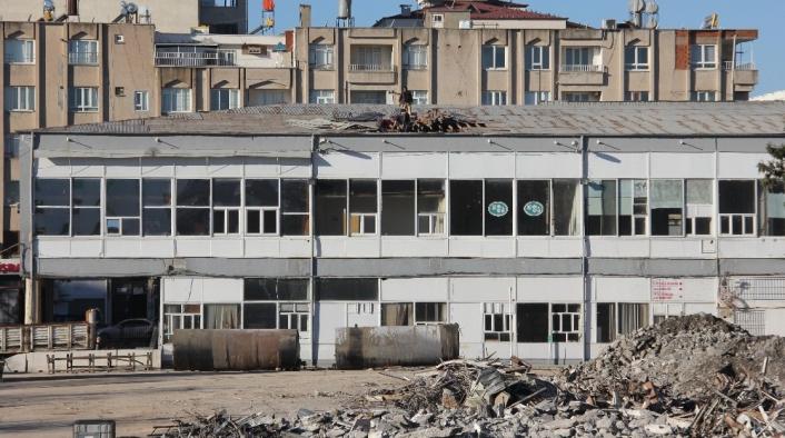 Adıyaman'da 60 Yıllık eski adliye binası yıkılmaya başlandı