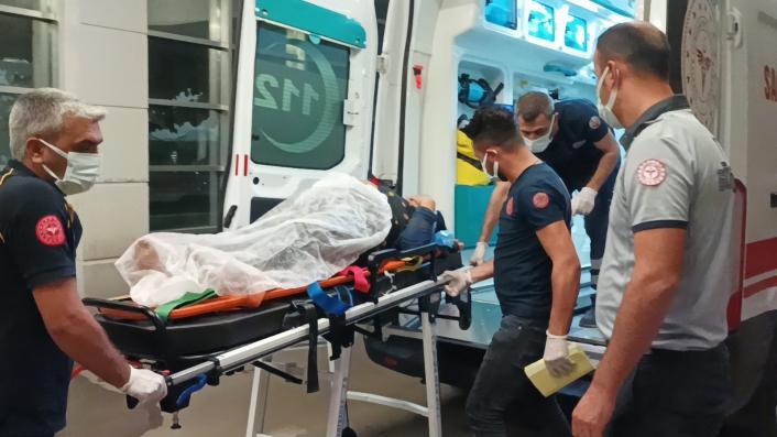 Adıyaman´da otomobil ile hafif ticari araç çarpıştı: 3 yaralı