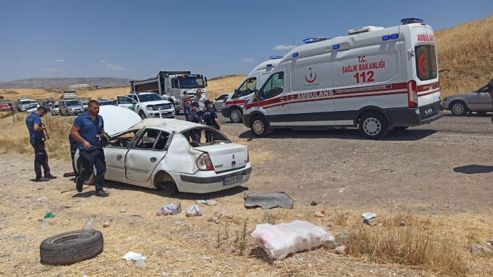 Adıyaman´da otomobil takla attı: 6 yaralı
