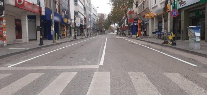 Adıyaman´ın cadde ve sokakları boş kaldı