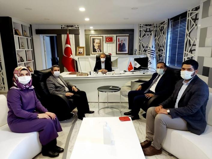 AK Parti yönetimi Başkan Kılınç ile bir araya geldi