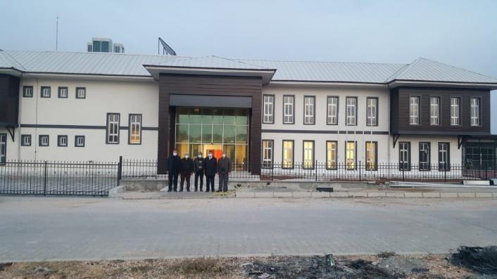 Besni Gençlik Merkezi mimarisiyle kendine hayran bırakıyor