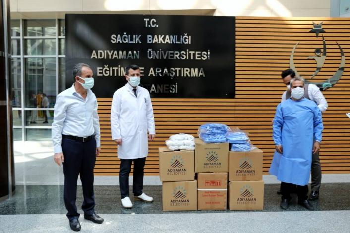 Belediyeden sağlıkçılara malzeme desteği