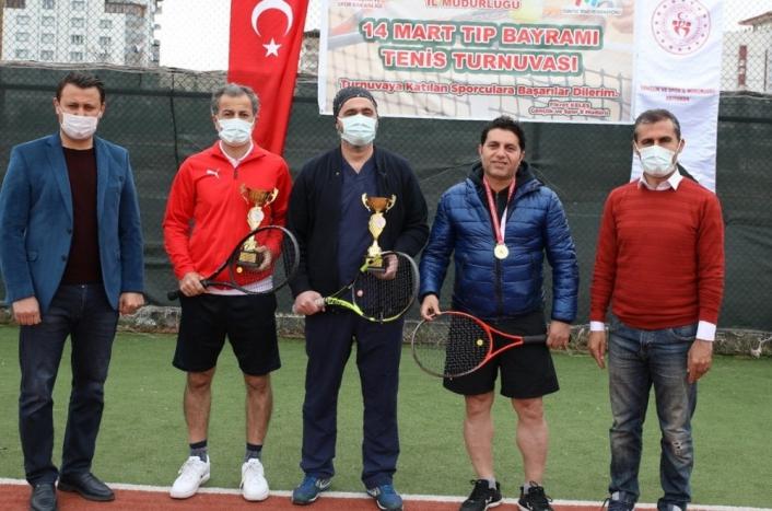 Doktor ve kadınlara özel tenis turnuvası yapıldı