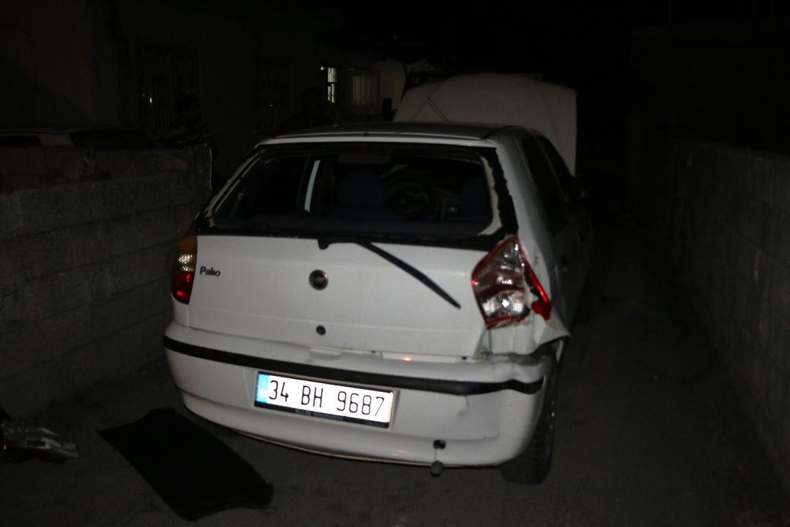 Dur ihtarına uymayan sürücü elektrik direğine çarptı