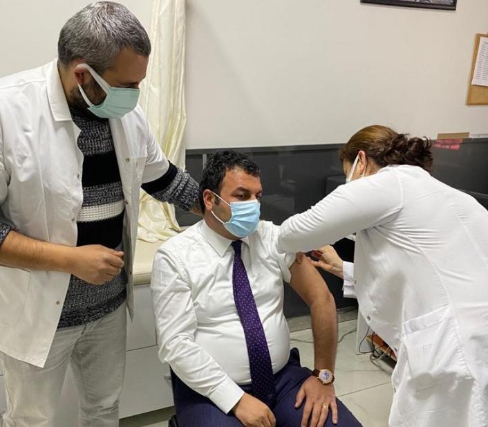Gölbaşı Belediye Başkanı Yıldırım aşısını oldu
