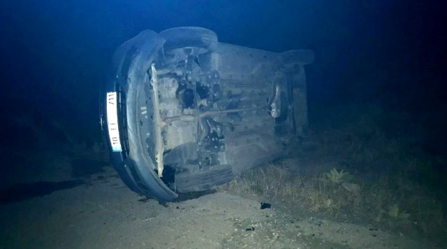 Gölbaşı'nda otomobil yan yattı