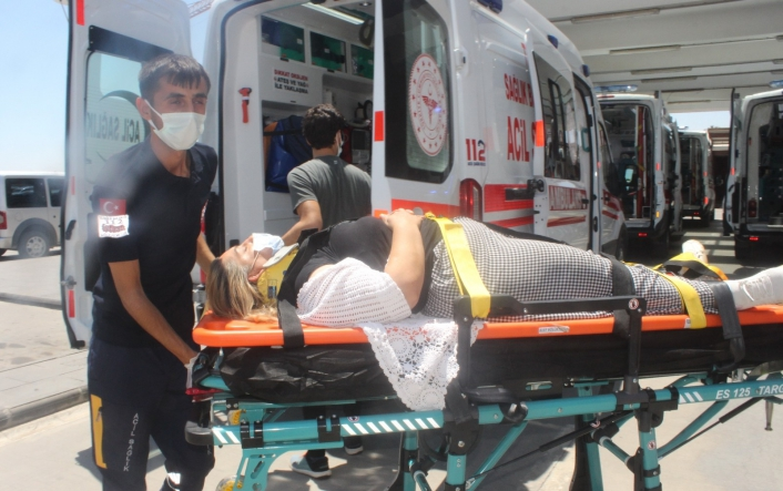 Adıyaman HDP eski milletvekilinin kullandığı araç kaza yaptı: 7 yaralı