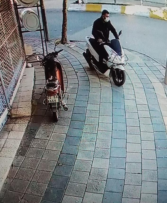 İkamet bahçesindeki motosiklet çalındı