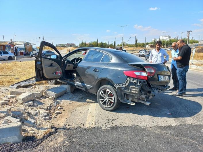 Adıyaman'da İki otomobil çarpıştı: 1 ağır 5 yaralı