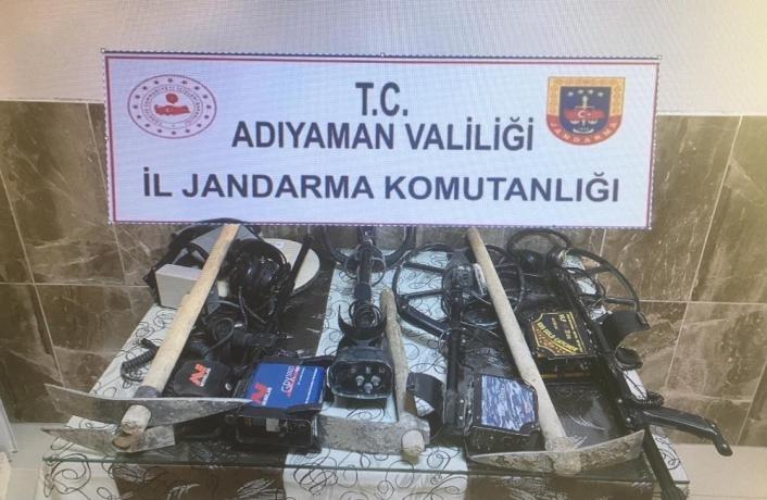 Adıyaman'da Kaçak kazı yapan 4 kişi yakalandı
