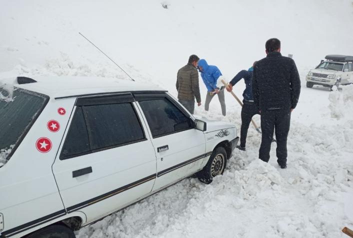 Kar ve tipi nedeniyle mahsur kaldılar