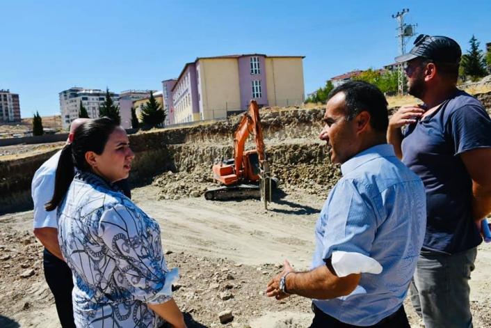 Kaymakam Demir, okul inşaatını inceledi