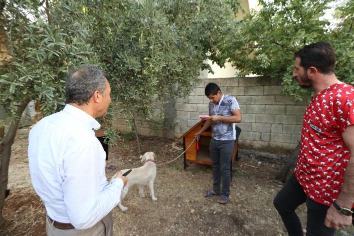 Kılınç, Furkan´a Köpek kulübesi hediye etti