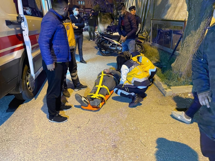 Kontrolden çıkan motosiklet devrildi: 1 yaralı