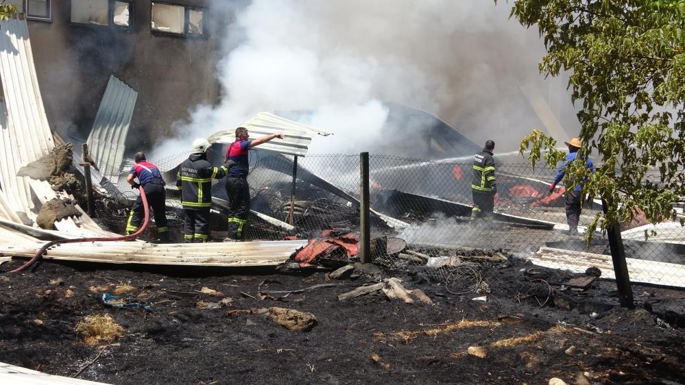 Kullanılmayan eski fabrikada korkutan yangın