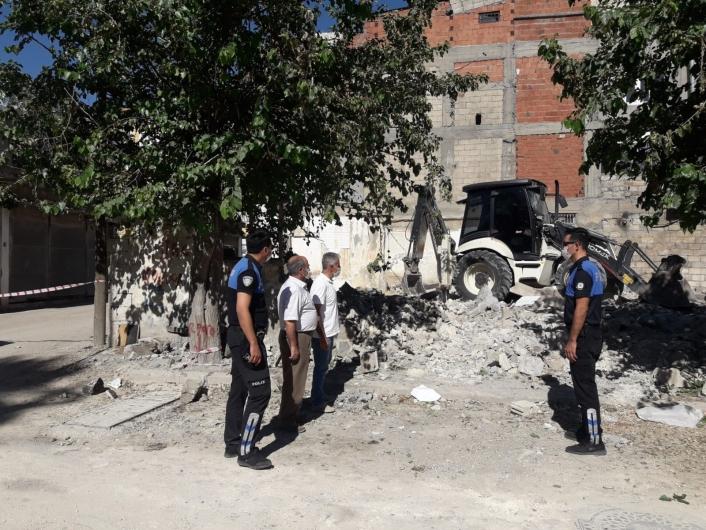 Adıyaman'da Metruk binaların yıkımı sürüyor