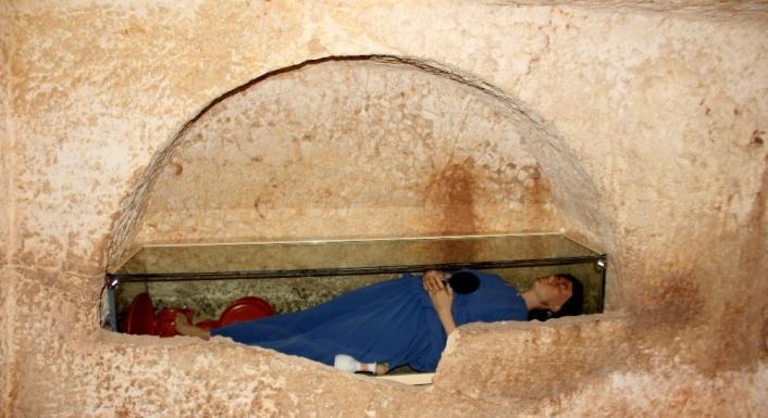 Mezar odasında tarih yeniden canlandı