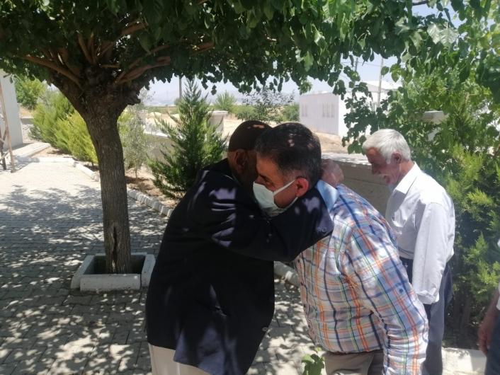Milletvekili Fırat köy köy geziyor