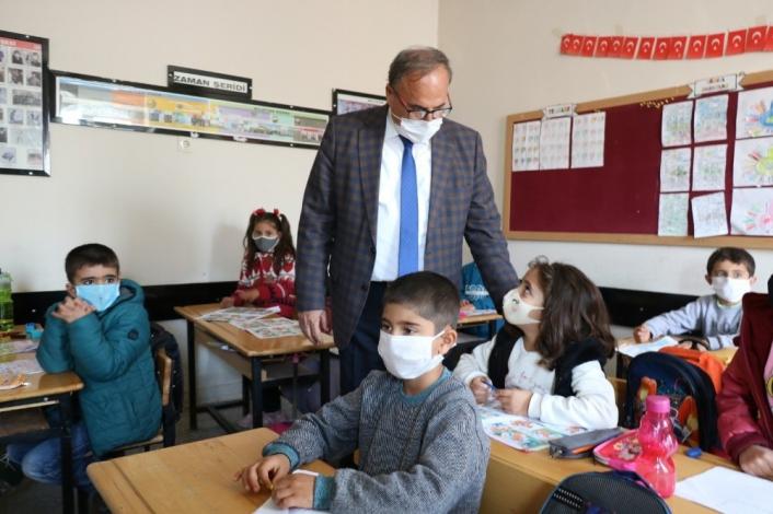 Milli Eğitim Müdürü Alagöz öğrencilerle bir araya geldi