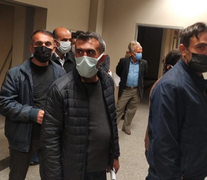 Adıyaman'da Öğretmenler iftar sonrası aşı için sıraya girdi
