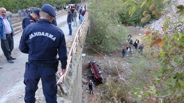 Adıyaman'da Otomobil köprüden aşağıya uçtu: 1 ölü