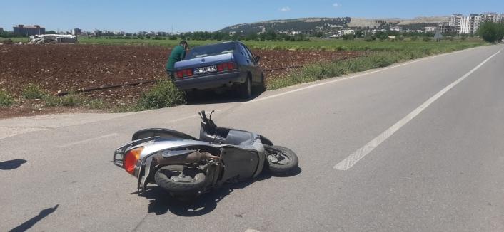Adıyaman'da Otomobil motosiklete çarptı: 1 yaralı
