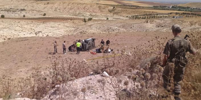 Adıyaman'da refüje çarpan otomobil takla attı 1 ölü, 3 yaralı