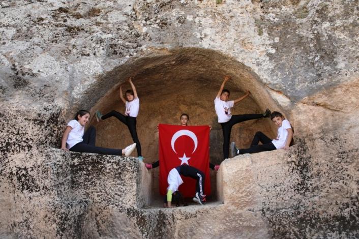 Perre Antik Kentte Cimnastik Günü kutlaması