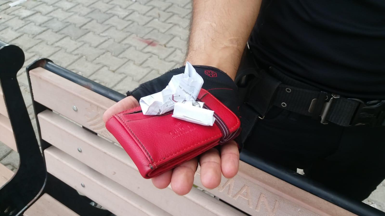 Polis Ekipleri Uyuşturucuya Geçit Vermiyor