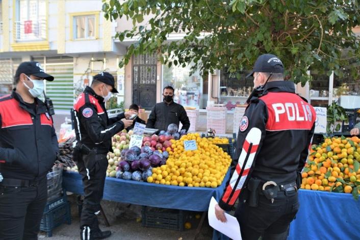 Adıyaman'da Polis pazar yerinde denetimi sıklaştırdı